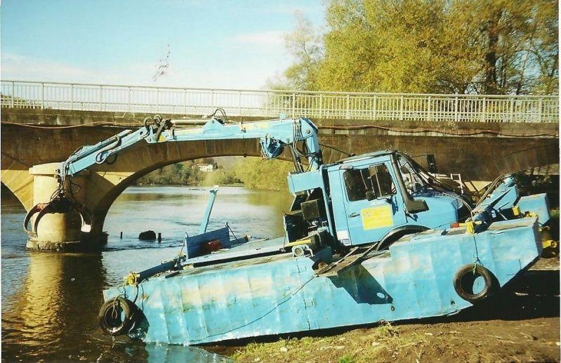 Mog barge Mogf110