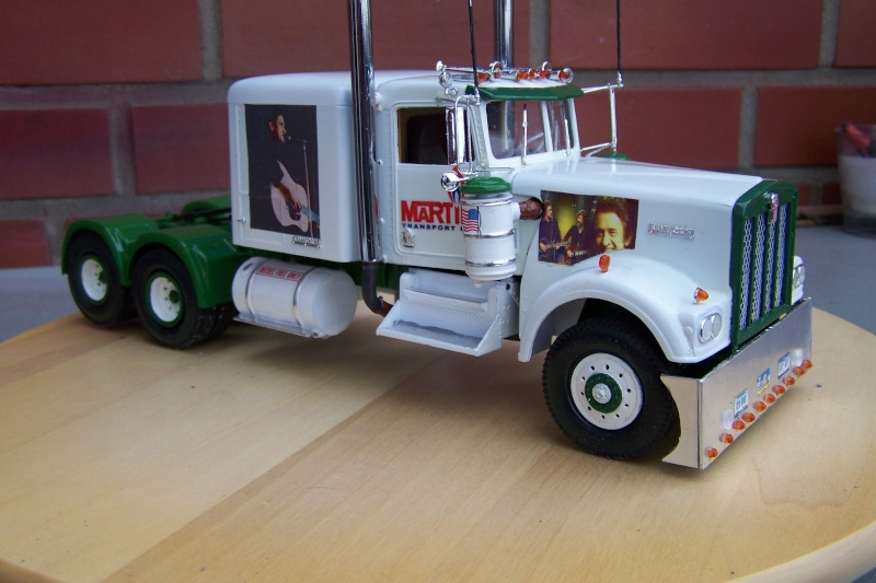 Kenworth W-900 mit Johnny Cash Decals 100_3813