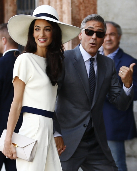Enquirer item: Battle over George Clooney - Amal Clooney/Cindy Crawford Fight G-marr10