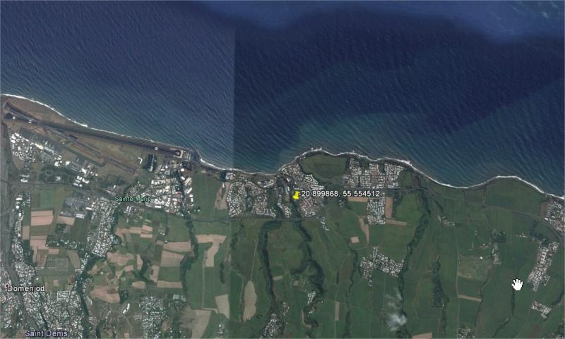 2014: le 18/11 à 18h30 - une forme plane, très sombre -  Ovnis à Ste Marie de la Réunion - La Réunion (974) Zakang10