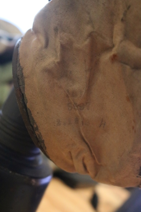 Des masques a gaz Img_8413