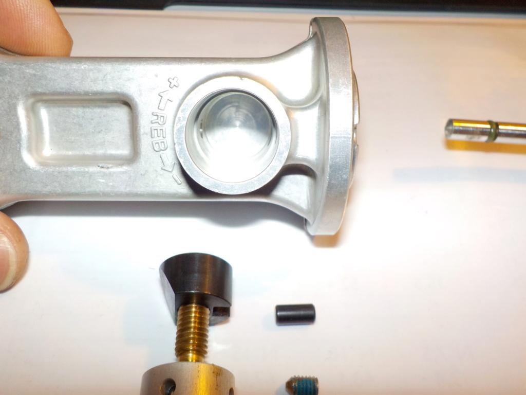 Les suspensions des KTM 690 ENDURO (+R) - Page 2 Dscn0011