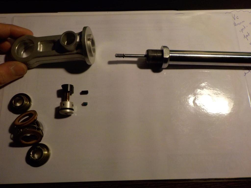 Les suspensions des KTM 690 ENDURO (+R) - Page 2 Dscn0012
