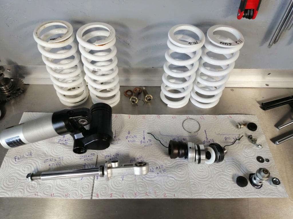 Les suspensions des KTM 690 ENDURO (+R) - Page 2 Img_2239