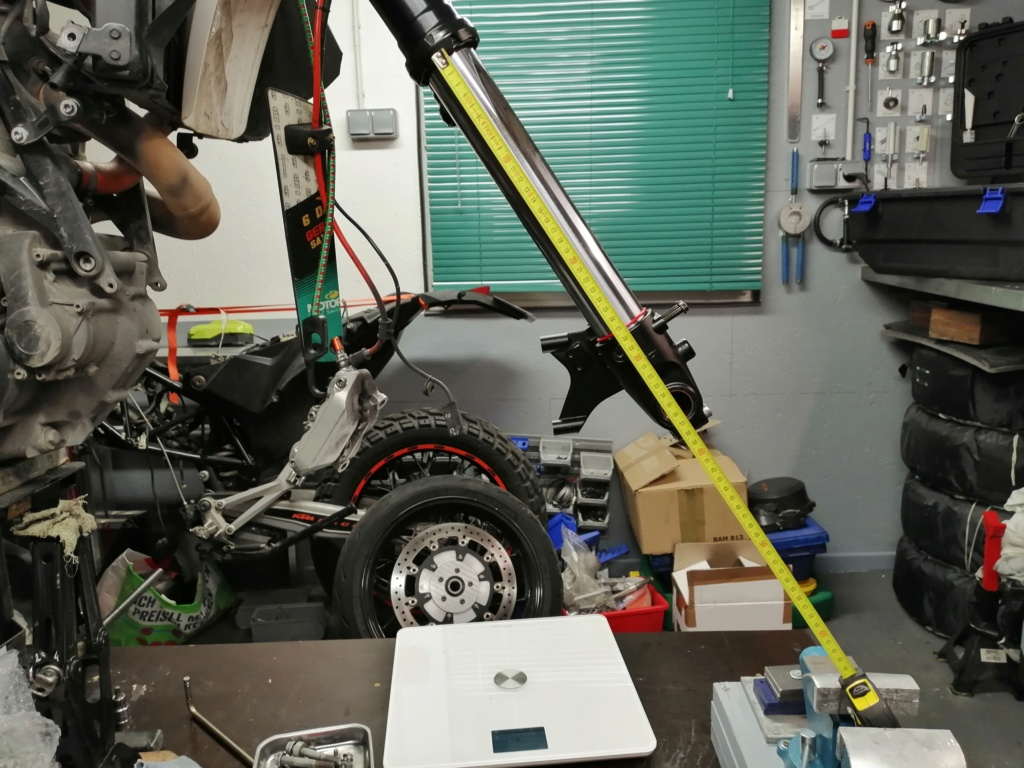 Les suspensions des KTM 690 ENDURO (+R) Img_2317