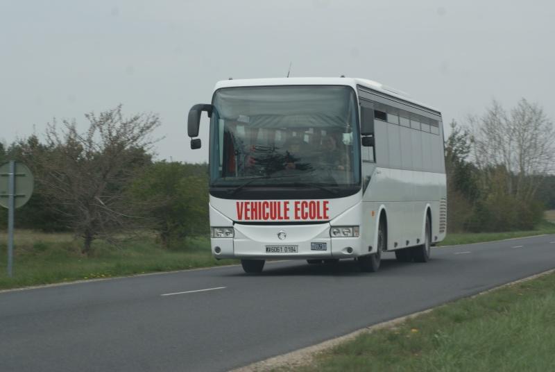 Les cars et bus de l'armée Française. - Page 2 Dsc02412