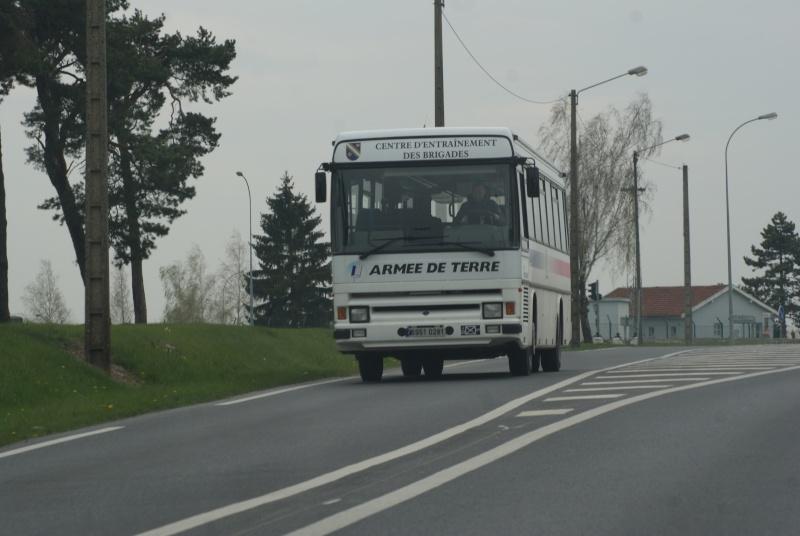 Les cars et bus de l'armée Française. - Page 2 Dsc02516