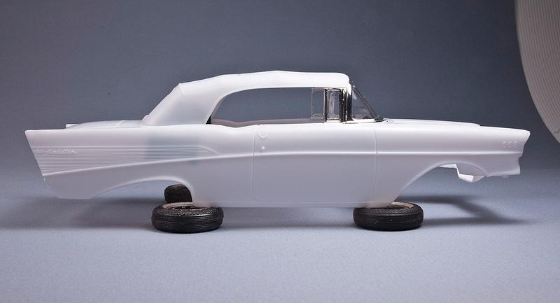 1957 Chevrolet Bel Air décapotable par Revell 57chev10