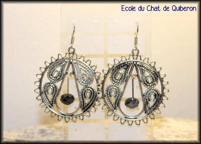 Les boucles d'oreilles...100% Fait-main, au profit de l'ECQ! Img_2413