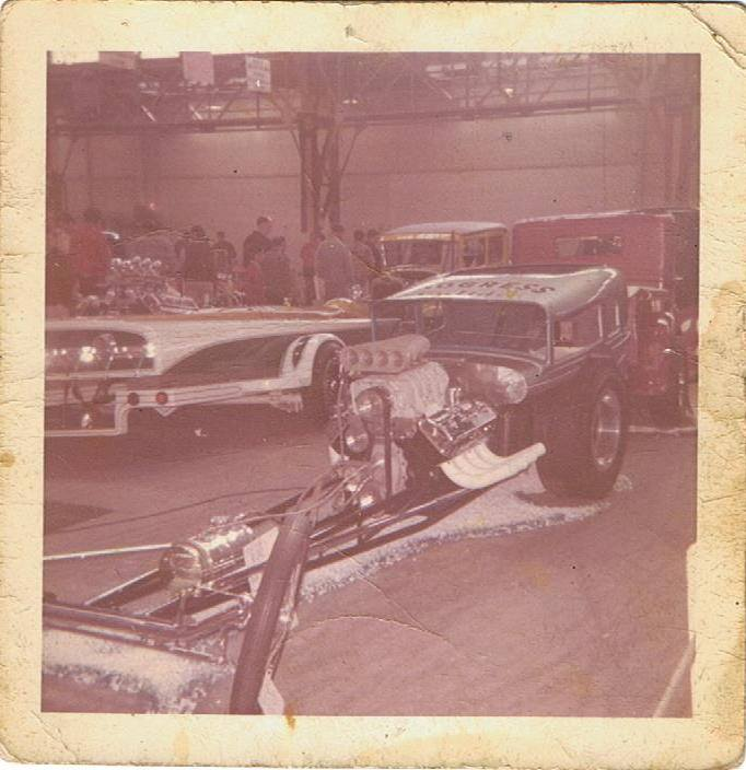 Vintage Car Show pics (50s, 60s and 70s) - Page 2 10377210