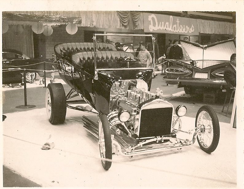 Vintage Car Show pics (50s, 60s and 70s) - Page 2 10395110