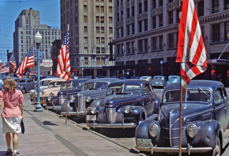 Rues fifties et sixties avec autos - 1950's & 1960's streets with cars - Page 2 10518910