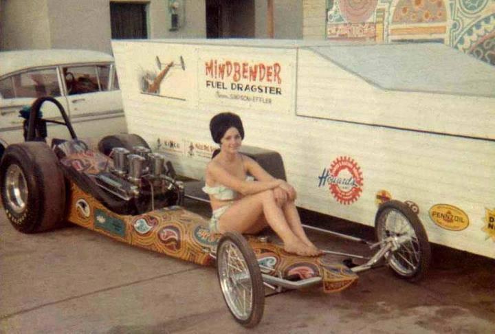 Slingshot & vintage dragster  10671310