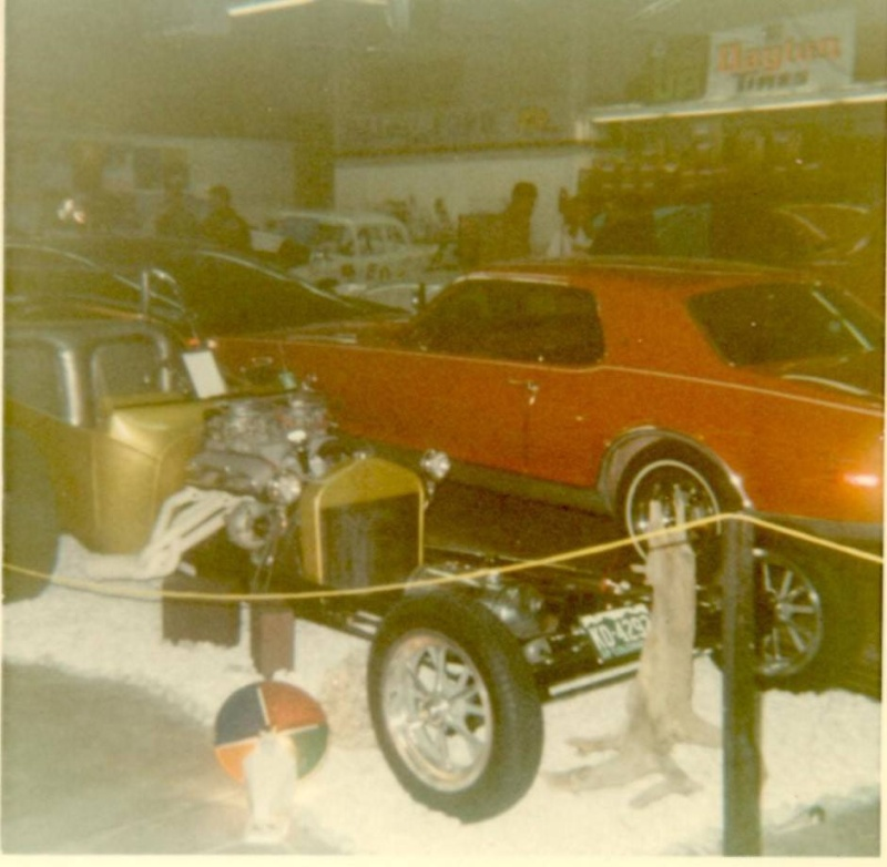 Vintage Car Show pics (50s, 60s and 70s) - Page 2 10672310