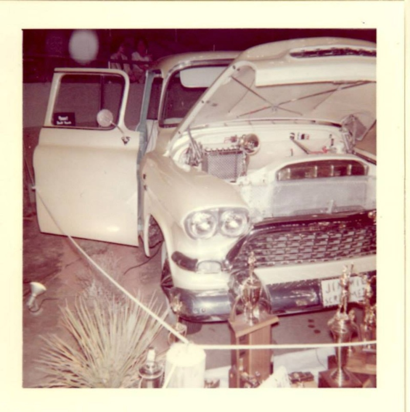Vintage Car Show pics (50s, 60s and 70s) - Page 2 10801710