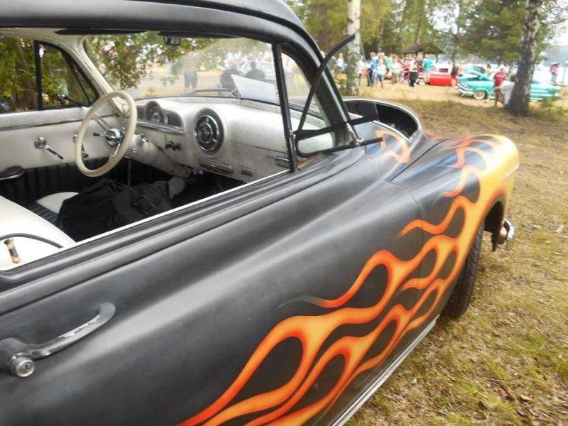 Pontiac 1949 - 54 custom & mild custom - Page 2 10850111
