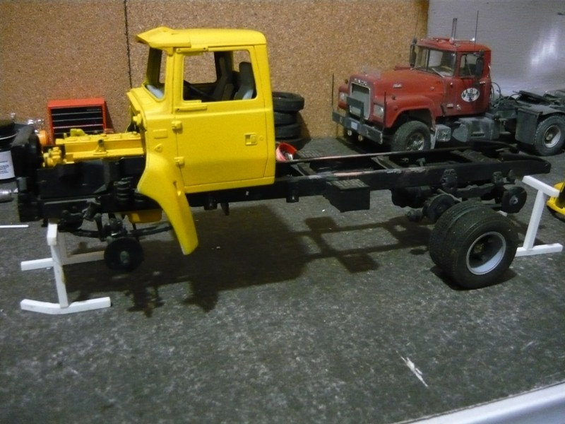 Ford  Aeromax avec fardier 35 tonnes P1120845