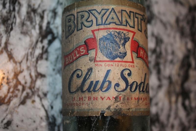 Bryant's club soda (fond rond) Bryant11