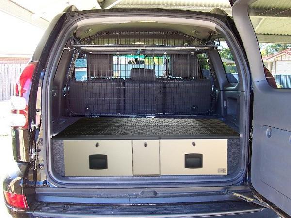 la voiture comme habitat provisoire 3864310