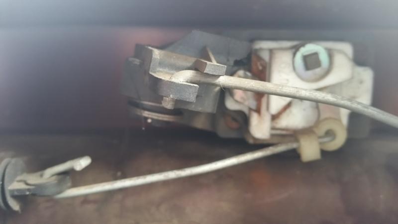 reparer mon coffre de  ma peugeot 20141115
