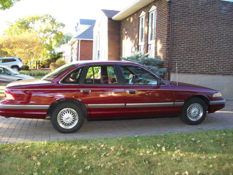 Crown Victoria 1992 800 dollars  _20_1310