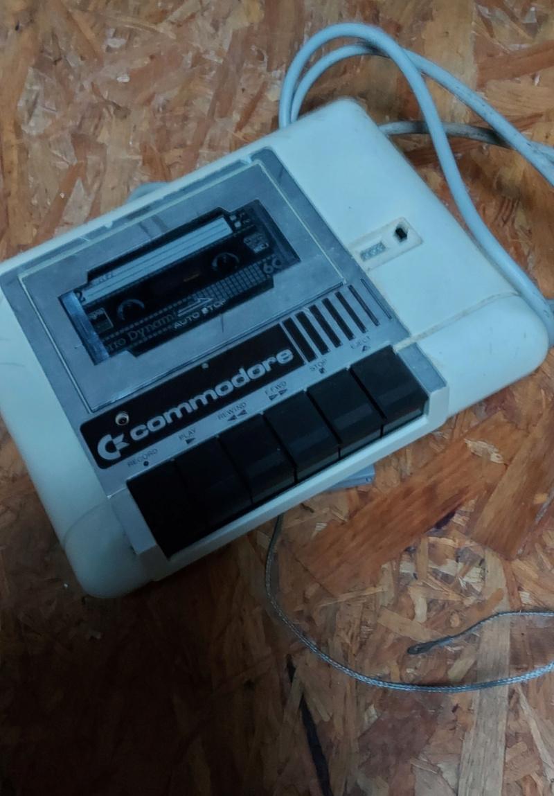 [VENDS] Commodore 64 en boîte (100% fonctionnel) + lecteur de cassette 20210157