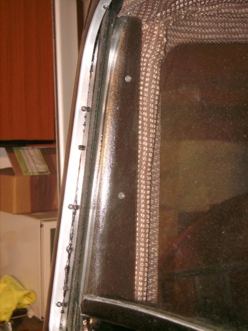 joint de pare brise - pose du joint de pare brise sur les 201 ou 301 avec pare prise escamotable ? Imgp0024