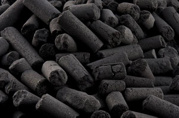 Un substitut de charbon à base... de peaux de bananes ! 185