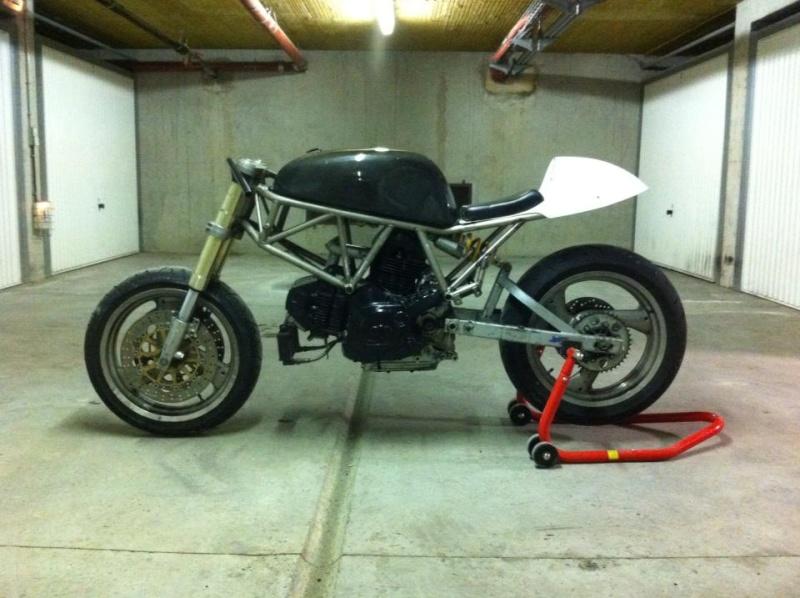 Mes pétoires KTM flat + Ducati café  Ducati13