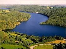 Vidange du lac de Guerlédan (22) Lac_de10