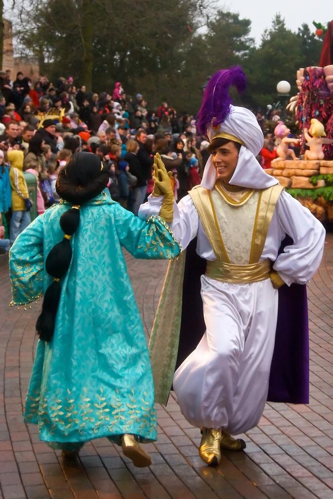 [Nouveau Spectacle] La Promenade des Princesses Disney (Noël 2014) 33257910
