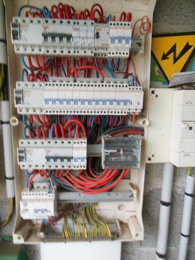 besoin d'aide en electricite Dscn8215