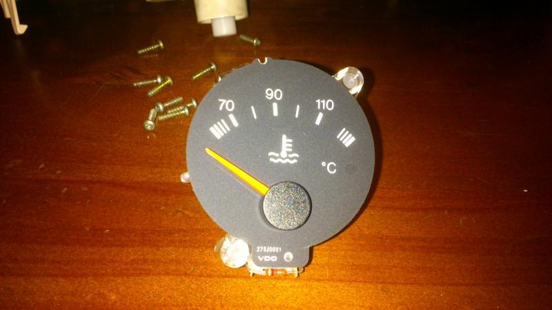 aiguille de température d'eau sur tableau de bord qui n'indique rien..  - Page 2 Dsc_0319