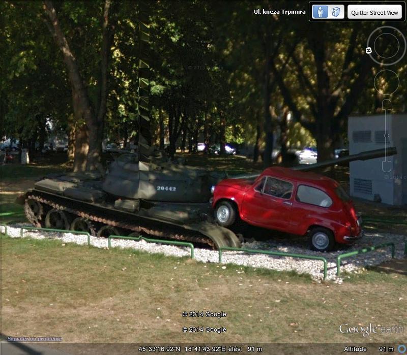La petite Fiat rouge écrase un tank - Osijek - Croatie Sv_cro10