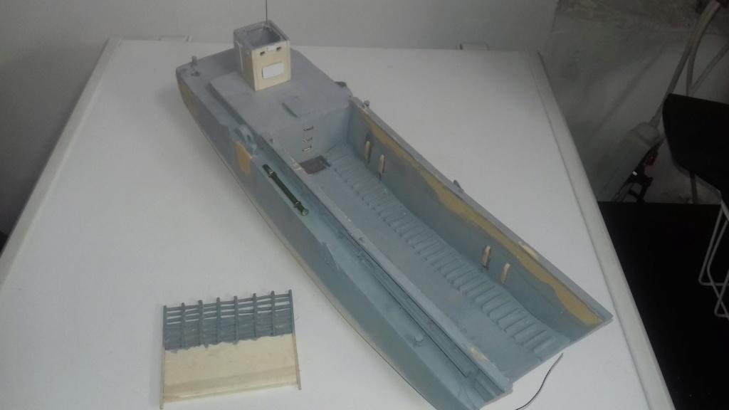 Barge débarquement US  LCM 1/35  - Page 2 1712