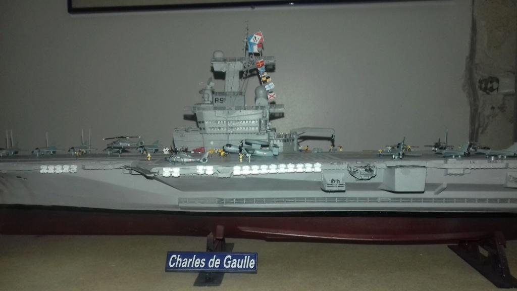 PORTE AVIONS CHARLES DE GAULLE 1/400 DE CHEZ HELLER - Page 2 20191027