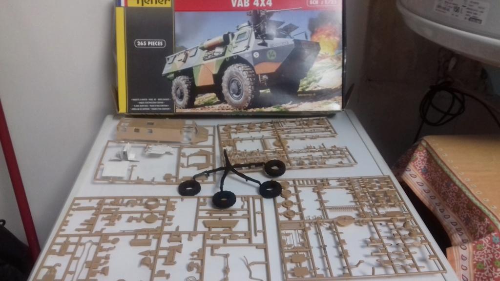 véhicule militaire Français 222