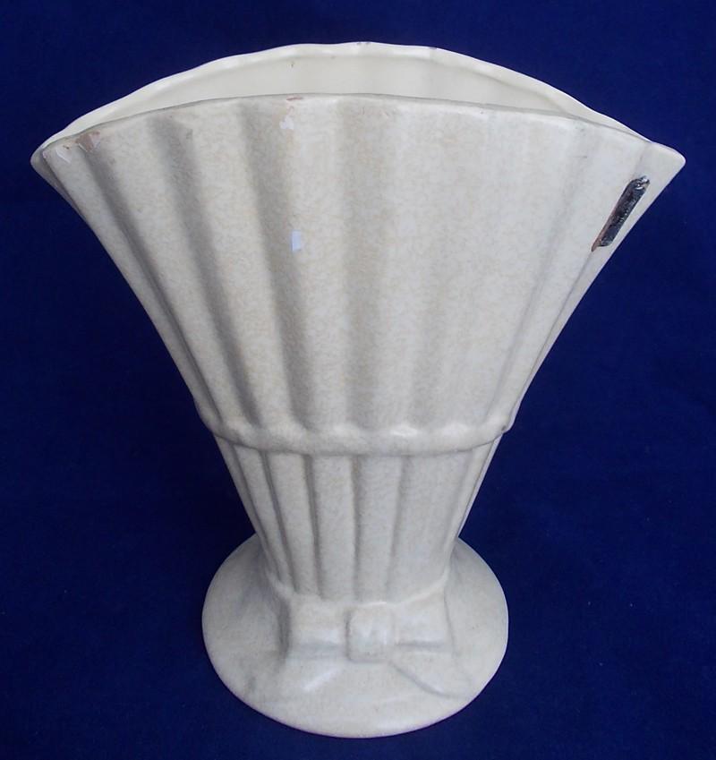 Royal Oak bow vase plus another for galllery Dscn5334