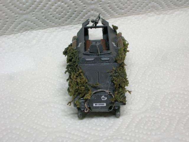SDKFZ-231(6 roues)+  Sd.Kfz.251/1 + kubelwagen 1/72 Italeri  +  Sd.Kfz.251/1 - Page 2 Dscn3413