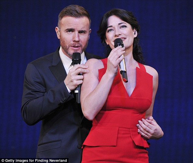 LAURA MITCHELLE GARY BARLOW : The musical Finding Neverland, 238ee910