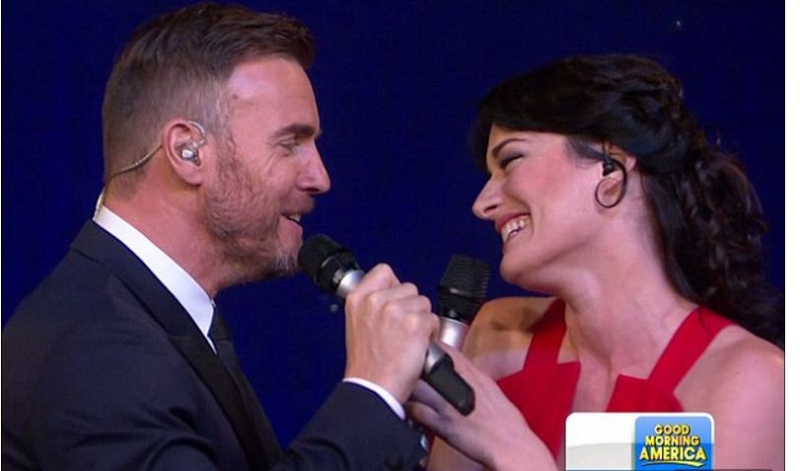 LAURA MITCHELLE GARY BARLOW : The musical Finding Neverland, Hhh11