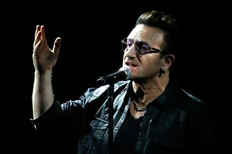 U2   - Page 16 La-lon10