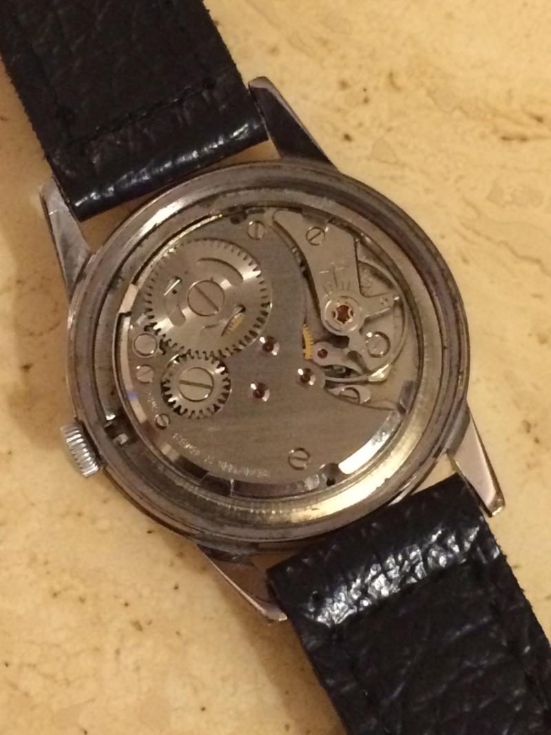 corum - [Postez ICI vos demandes d'IDENTIFICATION et RENSEIGNEMENTS de vos montres] - Page 23 Img_7810