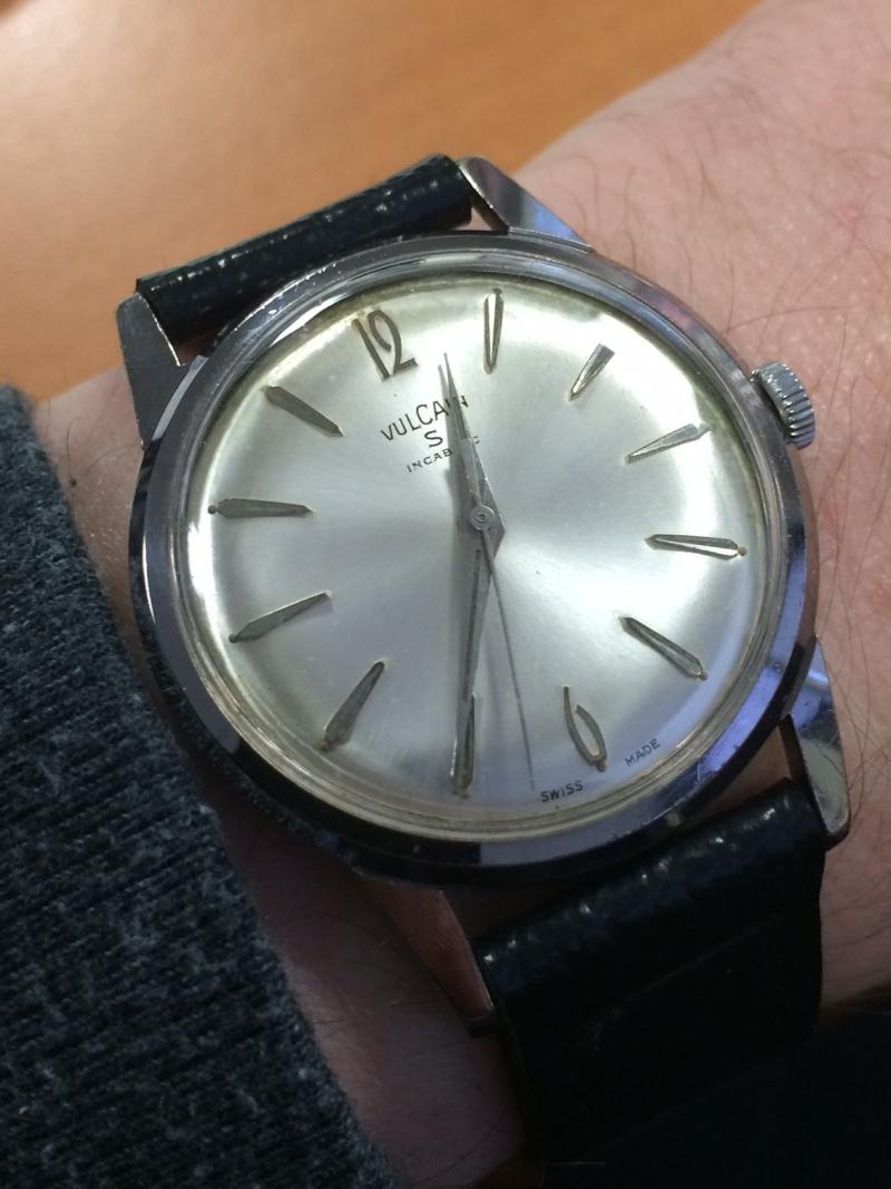 corum - [Postez ICI vos demandes d'IDENTIFICATION et RENSEIGNEMENTS de vos montres] - Page 23 Img_7910