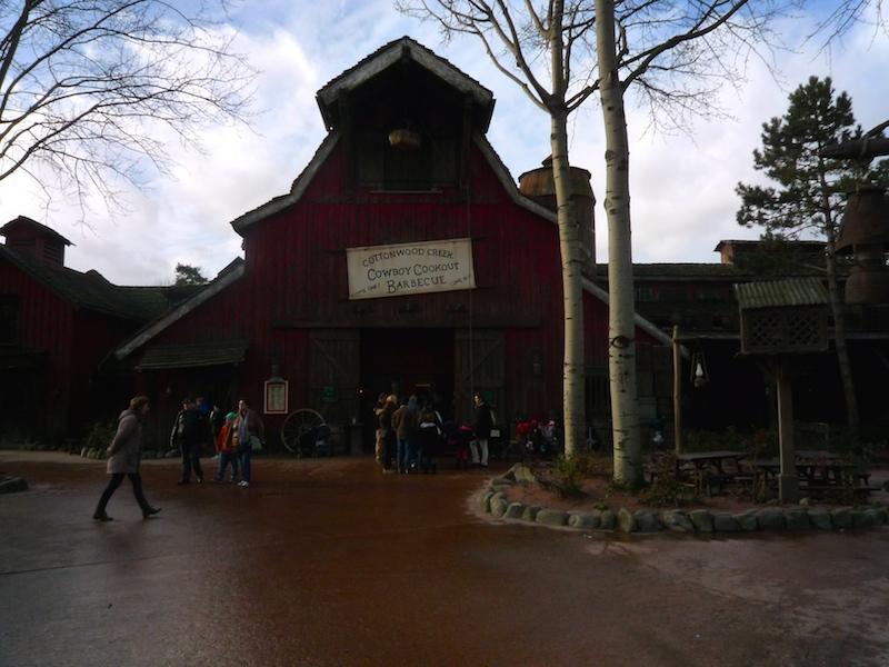 Séjour au Sequoia Lodge du 29 Décembre 2013 au 3 Janvier 2014 - Réveillon à Disneyland Paris !  Terminé le 12 Novembre! - Page 6 P1030222