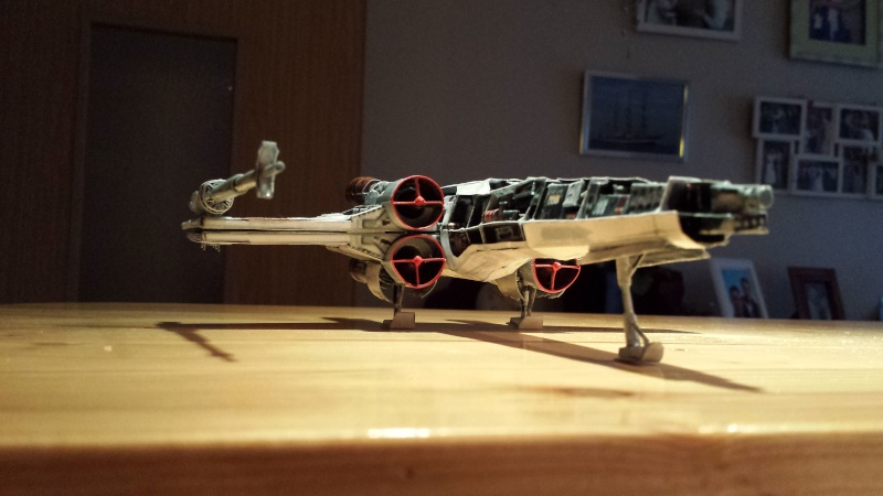 Versuch Nr.2 an einem Modell von UHU 02 20141146