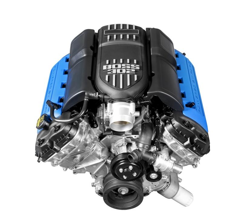 Détails du moteur Boss 302 (2013 Boss 302 de Revell) 12boss10