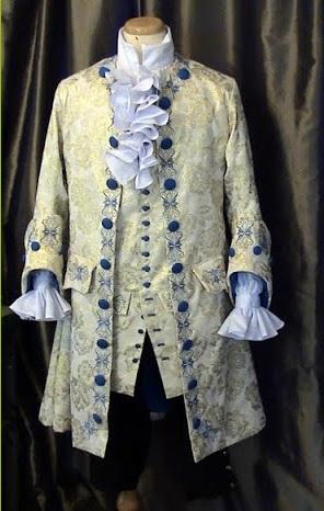 Costumes d'epoque Parfai10