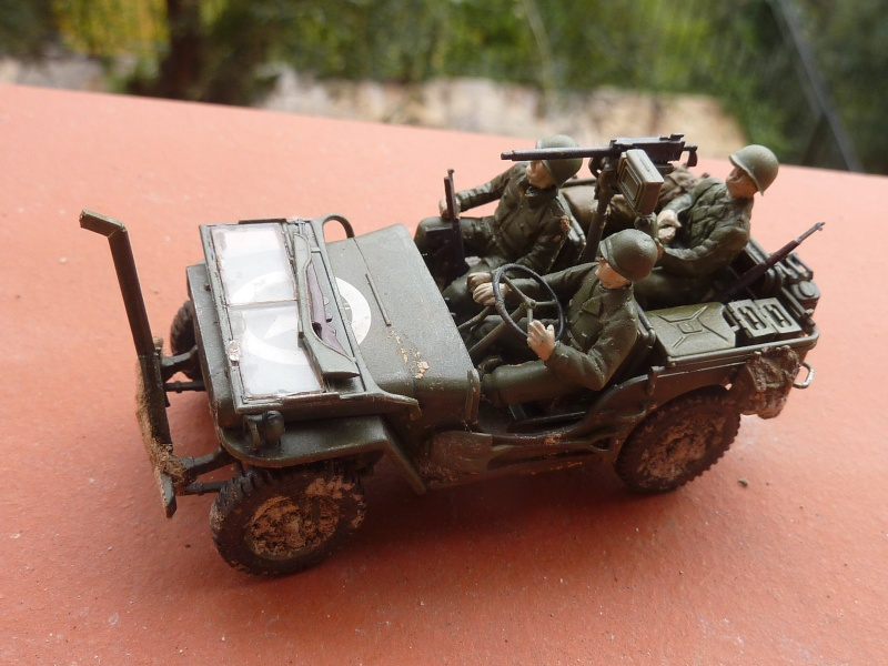jeep indochine - Tamiya 1/48 M8..Scherman et Jeep P1060813