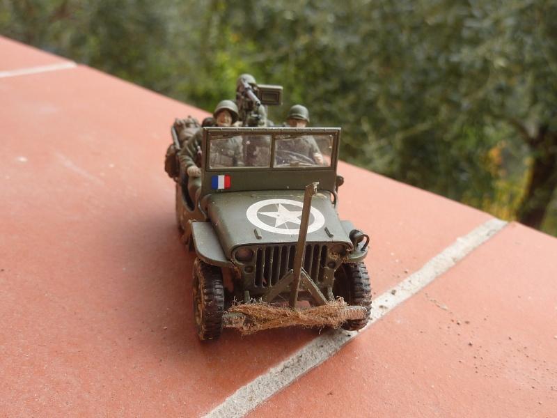 jeep indochine - Tamiya 1/48 M8..Scherman et Jeep P1060814